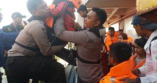 Evakuasi KMP Persada III